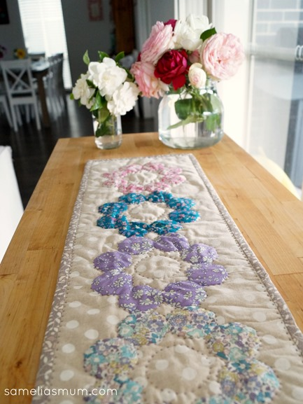 Four Octagons Table Runner_thumb[2]